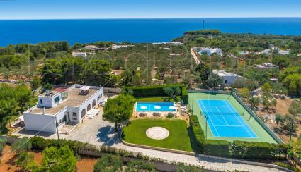 La villa vista mare ripresa dal drone di Perle di Puglia