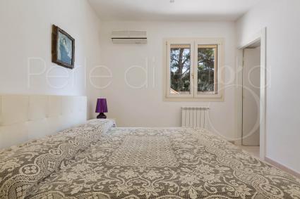 La zona notte è formata da 4 camere da letto, due con bagno doccia en suite