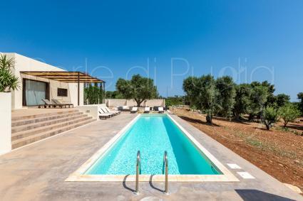 La villa con piscina ospita in vacanza fino a 10 persone