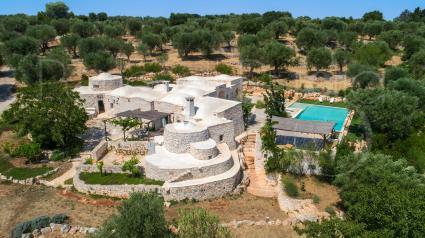 La Dialma, villa di lusso con piscina a Ostuni, vista drone