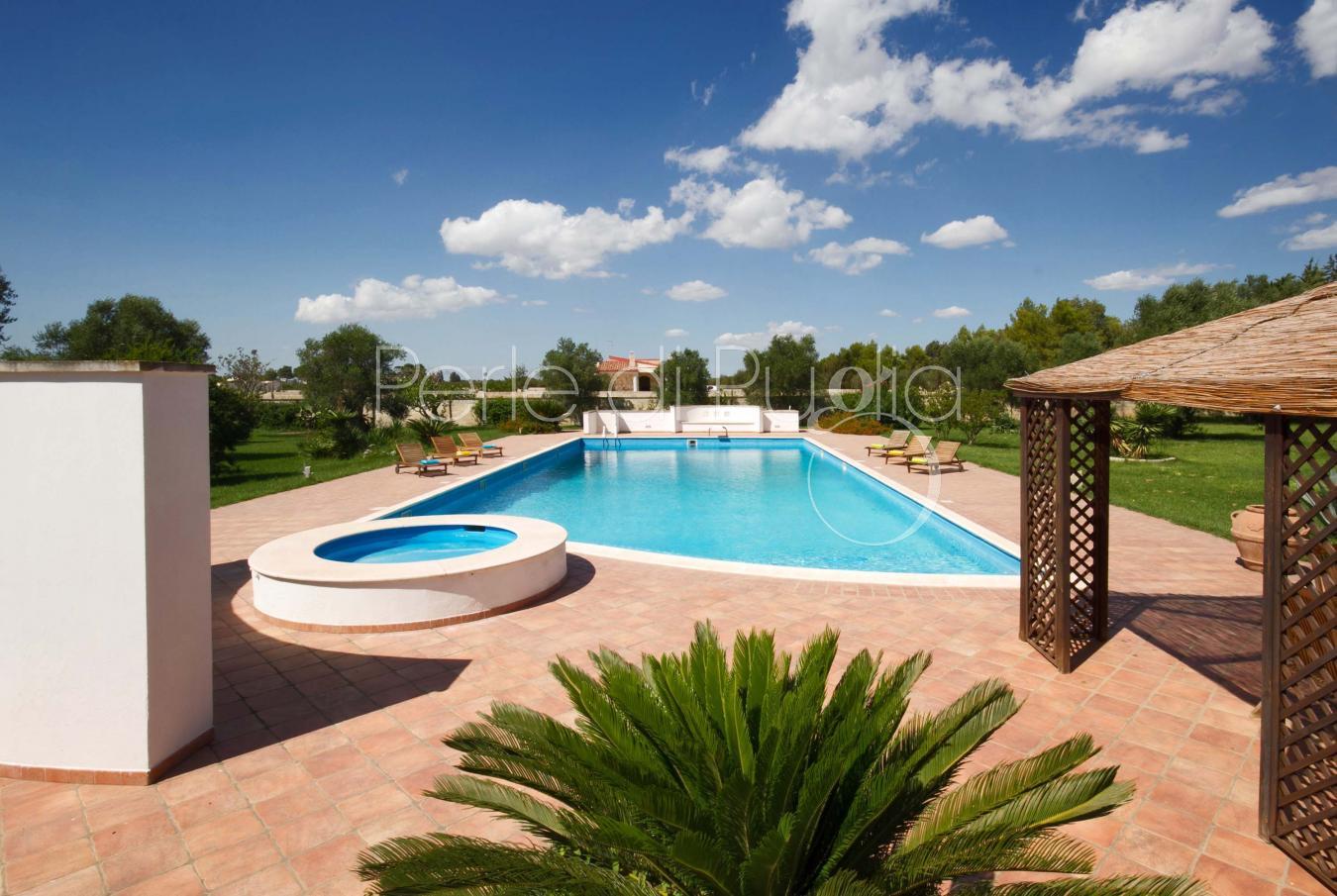 Affitto villa a lecce con piscina le macchie - Piscine a lecce ...