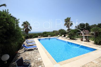 Villa con piscina situata a torre san giovanni la goccia - San giovanni in persiceto piscina ...