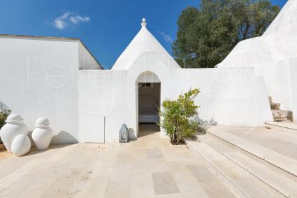 To sleep in a trullo: the typical Apulian atmosphere