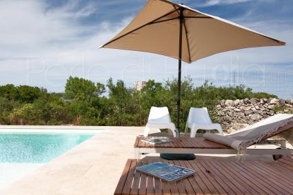 Il Solarium a bordo piscina: vacanze relax in Puglia nel massimo della privacy