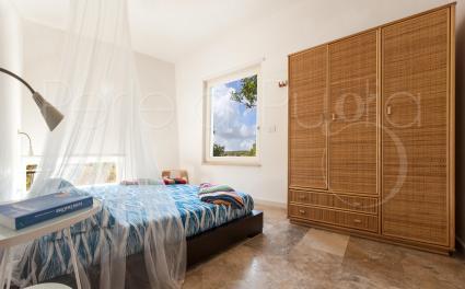 La camera da letto matrimoniale della casa in affitto per vacanze in Puglia