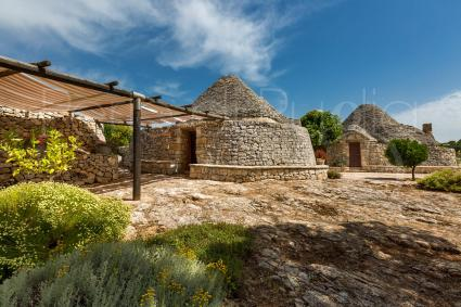 trulli e typical houses - Cisternino ( Brindisi ) - Trulli di Monte Reale