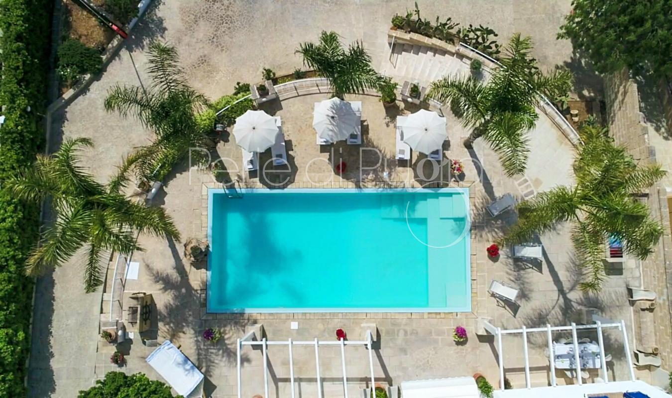 Villa con piscina e jacuzzi vista mare a nard villa - Ripresa di nascosto in bagno ...