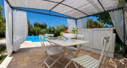Your holidays in villa with swimming pool and organic garden