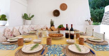 Le essenze mediterranee danno profumo ai momenti di convivio