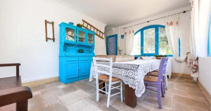 La sala da pranzo è caratteristica e originale