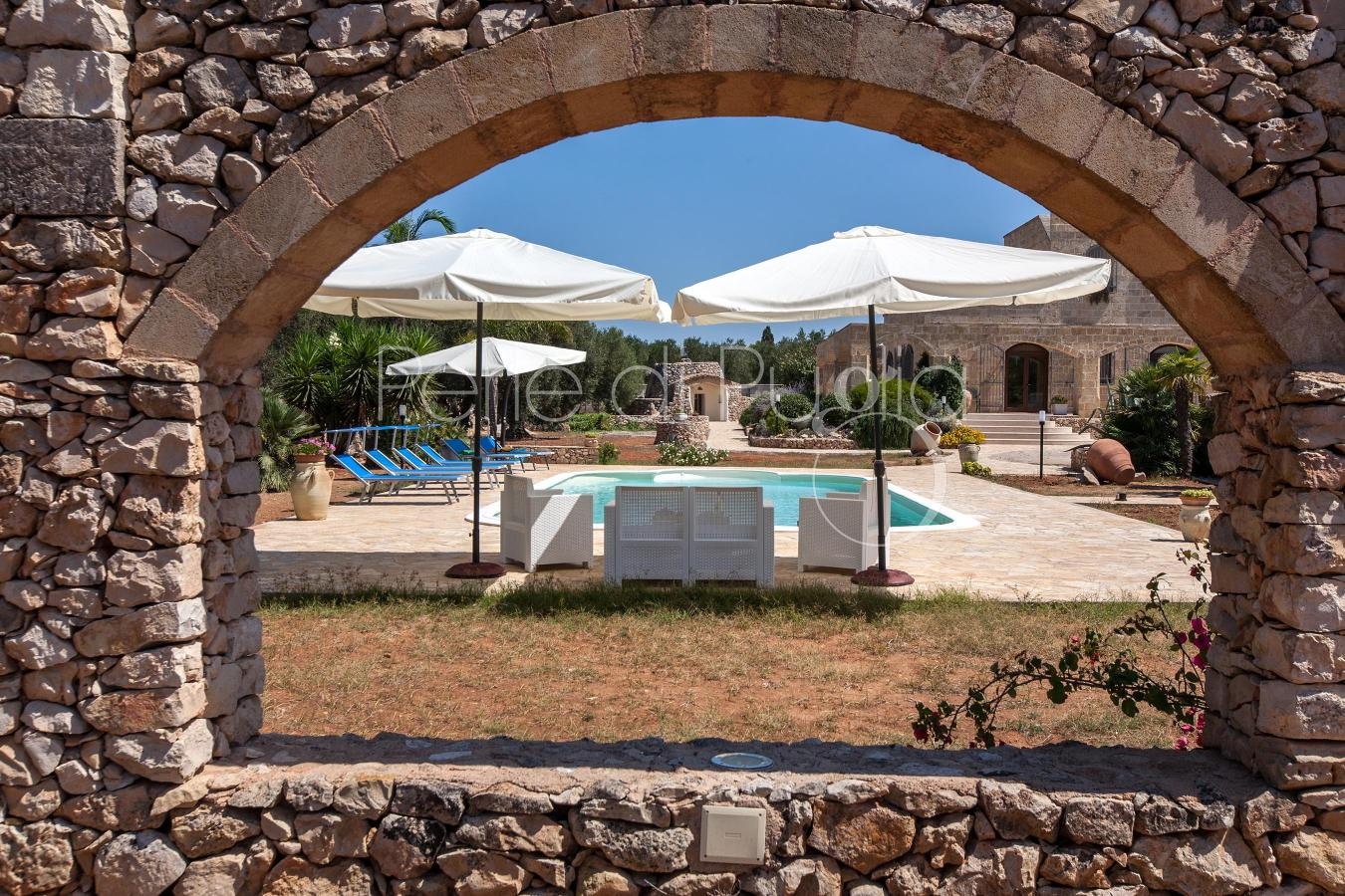 Casale tipico con piscina a santa maria al bagno nard - Piscina santa maria ...