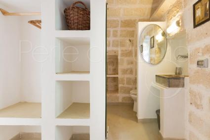 Il bagno della camera 3 è completo ed essenziale: un bijoux