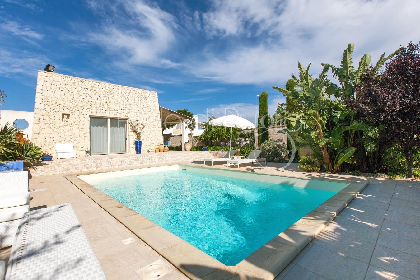 Villa con piscina in affitto a mancaversa villa lia - Villa in affitto con piscina ...