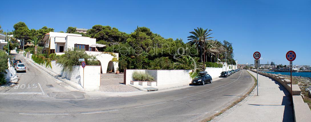 Affitto Villa di lusso fronte mare a Santa Maria al bagno: Villa Santa Maria