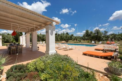 Joy and fun: the villa hosts with its large spaces up to 13 people