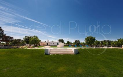 Panorami da cartolina all`interno della tenuta in affitto per vacanze in Puglia