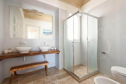 The second bathroom with shower of the three double bedrooms