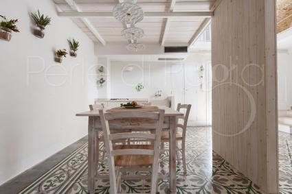 The dining room of the holiday home in the heart of Salento