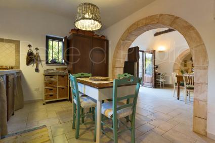 La cucina del Trullo U Fragn a Noci, vicino Alberobello