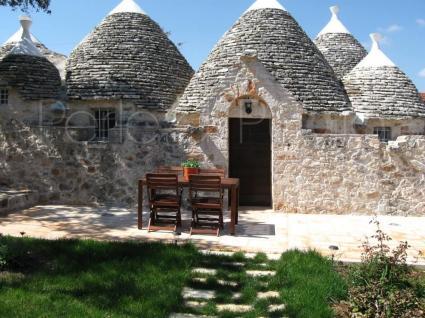 trulli e case tipiche - Alberobello ( Bari ) - Trullo Castalia