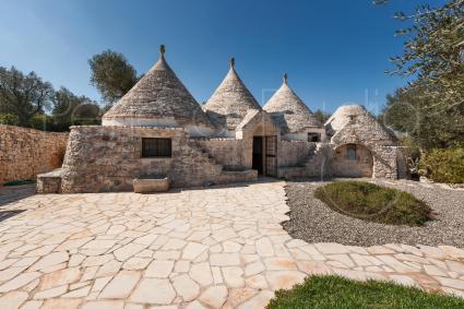 trulli e case tipiche - Ostuni ( Brindisi ) - Trulli Moreschi