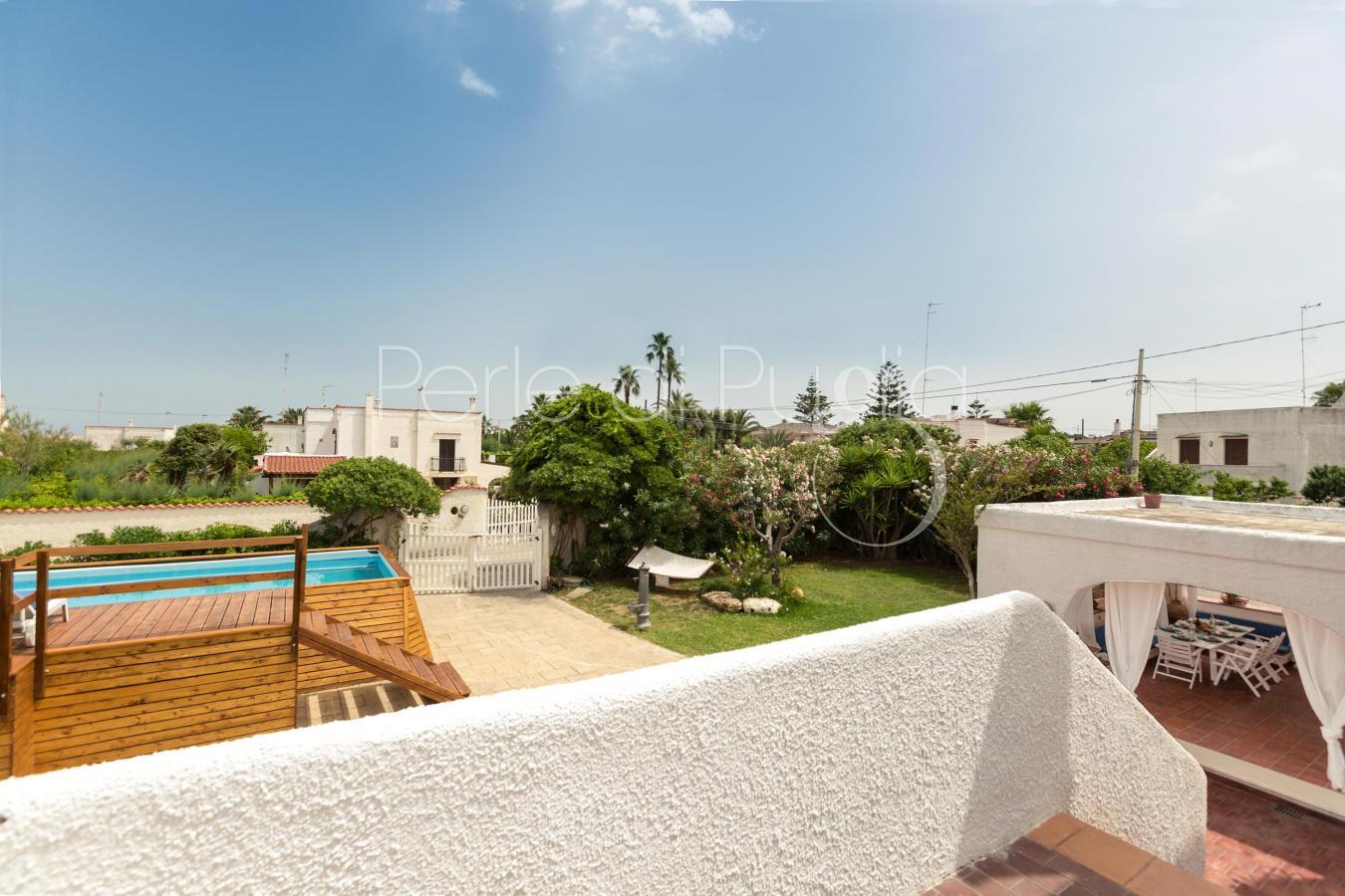 Villa vicino bari con piscina e accesso alla spiaggia for Piscina wspace bari