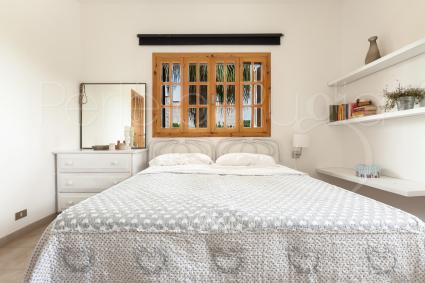 Camera matrimoniale del primo piano con tv e bagno interno