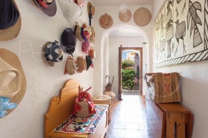 L`ingresso con corridoio è il preludio della bellezza della villa