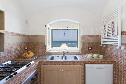 Cucinare guardando il mare: un vero lusso