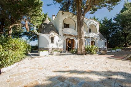 ville e villette - Alberobello ( Bari ) - Trulli Serralta