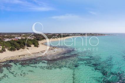 La bella spiaggia di Punta Prosciutto, ripresa con il drone