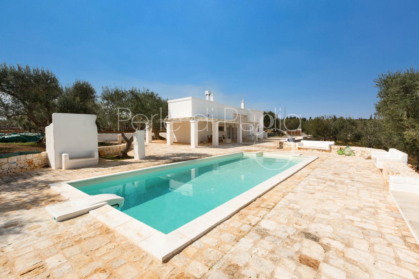 Popolare Villa di charme con piscina e campo da golf a Ostuni | Lamacanale DR93