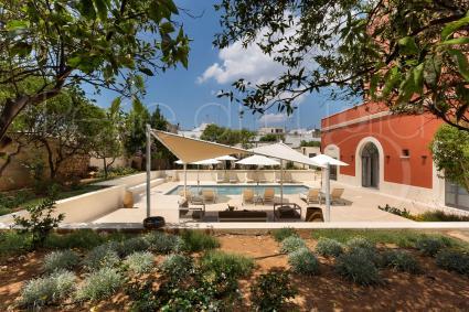 Il giardino, un`oasi di pace nel centro storico di Casarano
