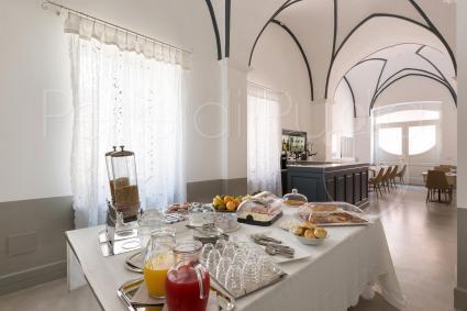 La sala delle colazioni del bed&breakfast di lusso per vacanze esclusive in Puglia