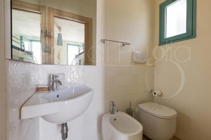 Il bagno doccia a servizio della villa