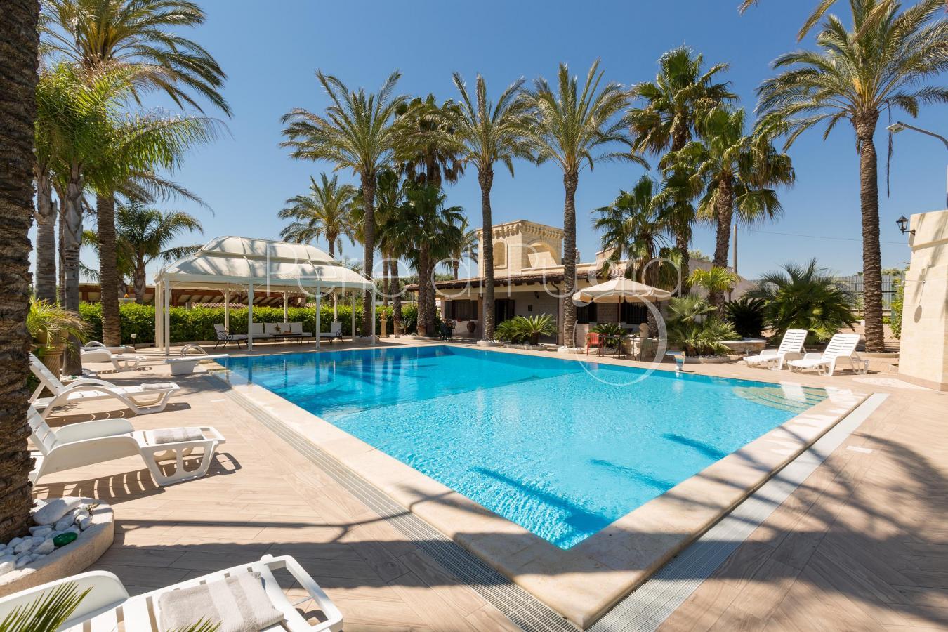 Dimora di charme con piscina a san vito dei normanni - Villa dei sogni piscina ...