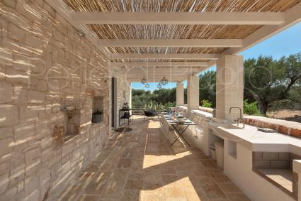 country houses - Ostuni ( Brindisi ) - Casale con cipresso