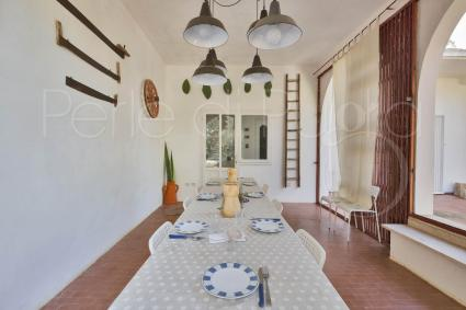 The dining room of the holiday villa in Puglia