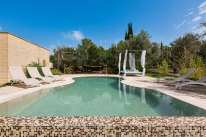 Luxury villa with pool and authentic atmosphere, for the best vacation in Apulia