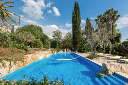 Un`amaca in piscina: vacanze relax e divertimento in Puglia