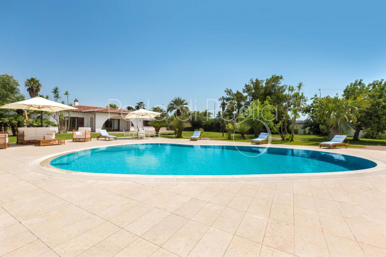 Vacanze con piscina e palestra zona gallipoli villa carrisi - Palestra con piscina ...