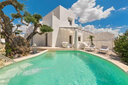 Villa di lusso con piscina per vacanze in Puglia