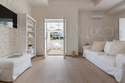 Armonia, luce, eleganza: così accoglie la villa lusso per vacanze in Puglia