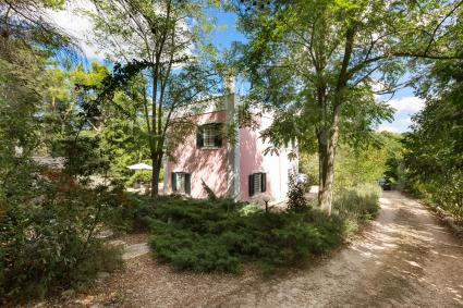 The villa is ideal for a vacation in the countryside but near the sea