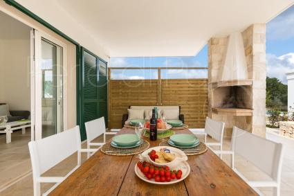 The verandah with barbecue and wood-burning oven is ideal at lunch and dinner