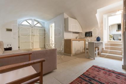 Completa l`appartamento un bilocale adiacente, completo di cucinino