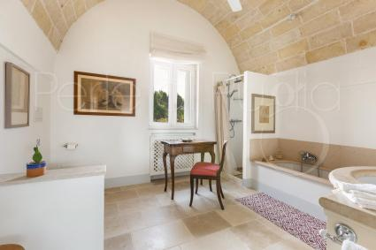 The comfortable dormieuse in the alcove of the trullo, a corner of peace