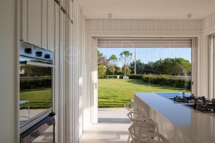 Dalla cucina si gode di una bella e rilassante vista sul verde