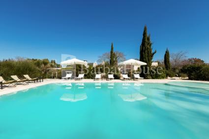 Luxury villa with trulli and swimming pool for rent for holidays in Puglia