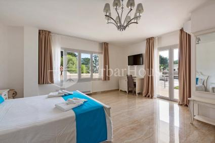 Suite Deluxe Matrimoniale 101 -Room for two to spend a holiday in Porto Cesareo
